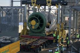 Hareket took part in the installation of generators and gas turbines at the Takhiatash thermal power
