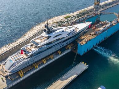 Mise à l'eau du plus grand yacht jamais construit par un chantier naval turc