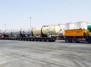 Birleşik Arap Emirlikleri'nde gece konvoyu